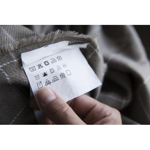 Ярлычки на одежде – о чем говорят значки на ярлыках